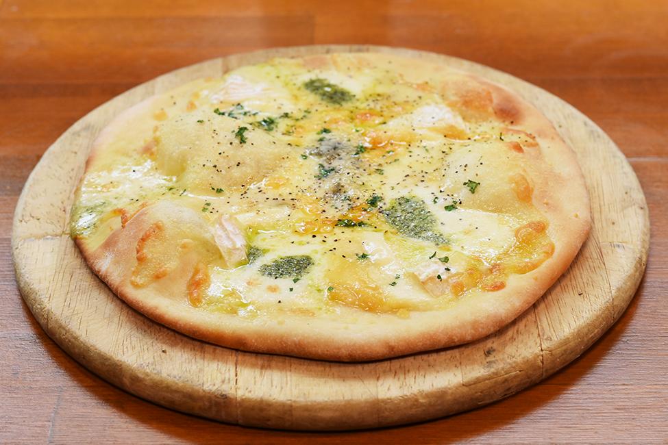 ピッツア クアトロ 4種のチーズ